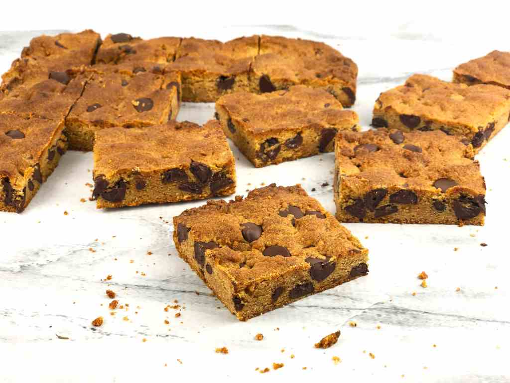 PB Choco Chip Blondie Bars