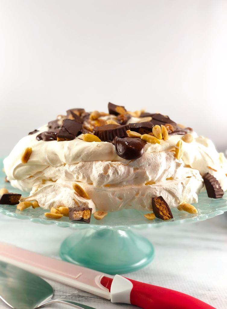 Pavlova Mascarpone whipped cream chocolate peanut butter