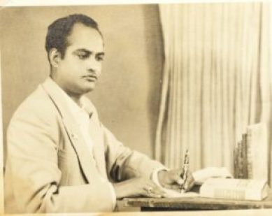 Ibne-Safi-Rare-Pose-Jan-8-1958