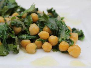 Chickpeas-spinach-salad3