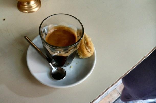קפה עם קאימאק בקאימאק, לוינסקי