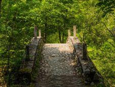 Steinbrücke über den Glijun