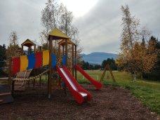 Spielplatz am Wohnmobilstellplatz Dovena