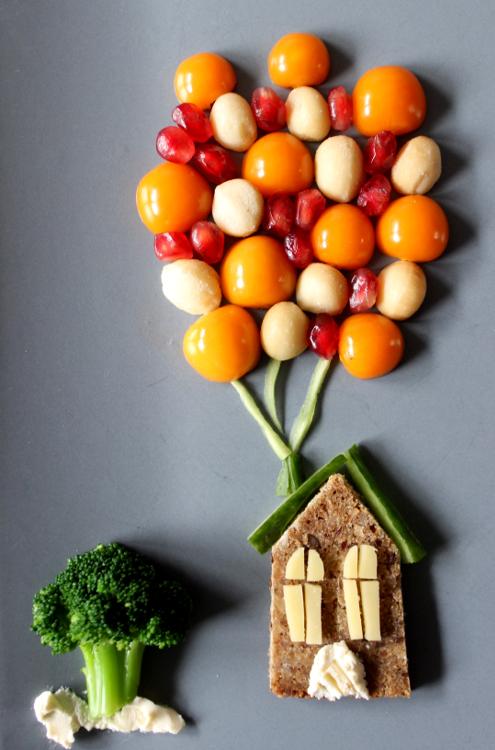 Fertiges Frühstücksbild aus Früchten