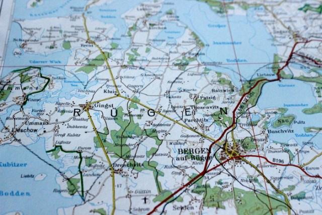 Atlasseite mit Rügen als Herzform