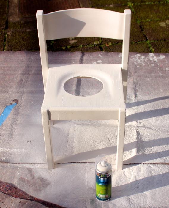 lackierter Stuhl