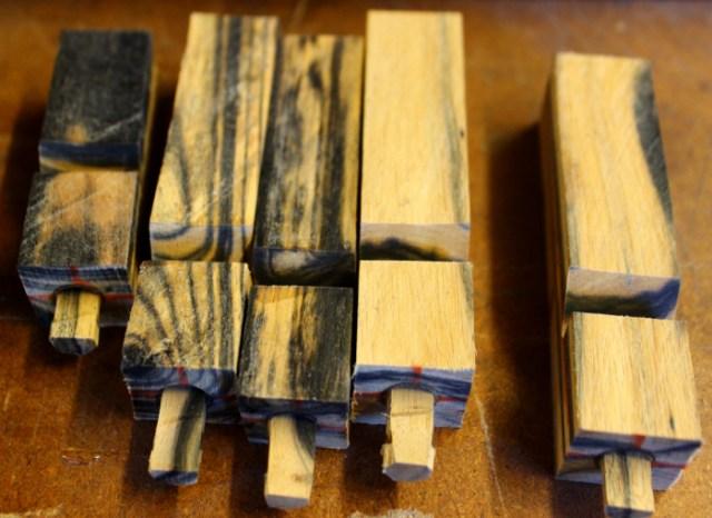 Hundepfeife aus Holz im Herstellungsprozess Trocknung