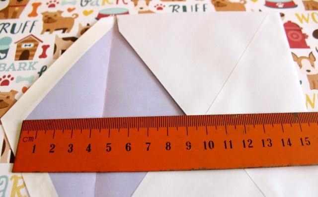 DIY Kuvert basteln Hunde Motivpapier
