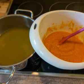 Karottenbrühe und Moro Suppe