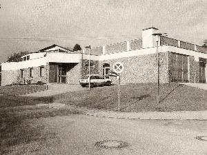 ...und Turnhalle an der neuen Schule (Einweihung am 30.10.1981).