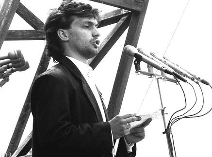 The young Viktor Orbán tells the Russians to go home, June 16, 1989