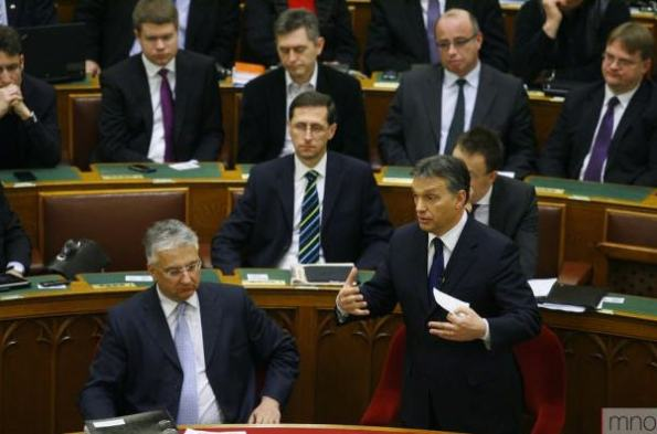 Orban a parlamentben