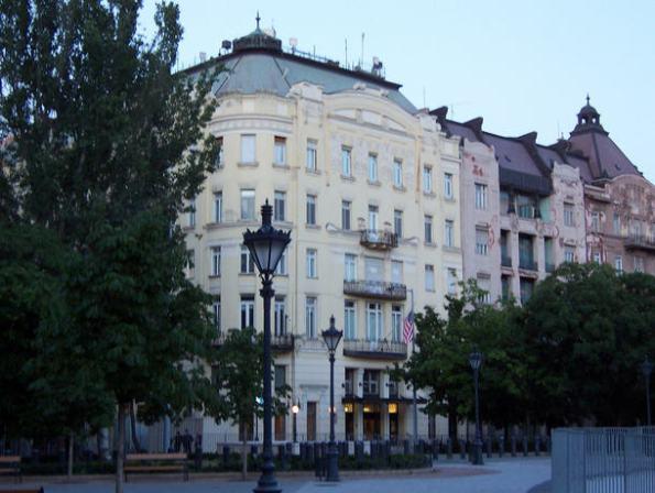 U.S. Embassy, Szabadság tér, Budapest Source: commons.wikipedia.org