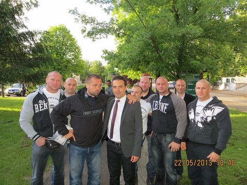 Party chief Gábor Vona with members of Betyársereg / http://betyarsereg.hu/