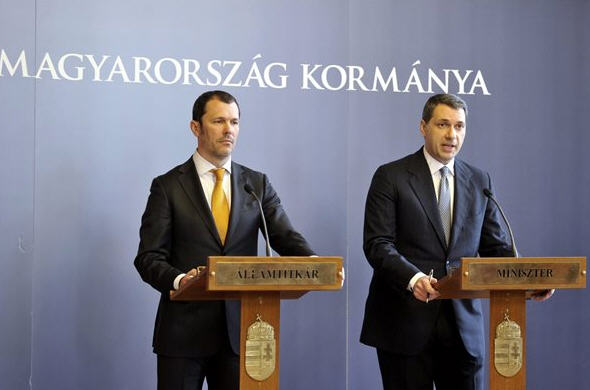 András Giró-Szász and János Lázár at yesterday's press conference
