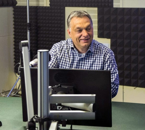 Viktor Orbán in the studio / MTI