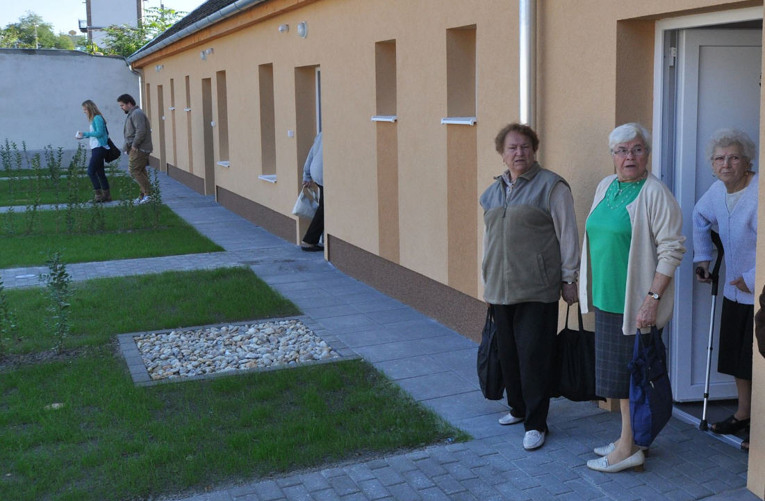 low-income housing – Hungarian Spectrum