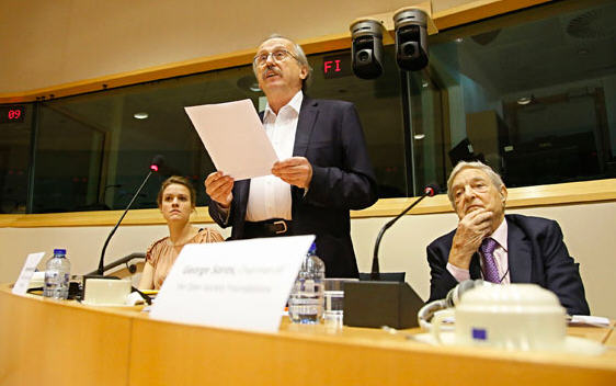 George Soros in the European Parliament. Left of him Péter Niedermüller, DK EP MP