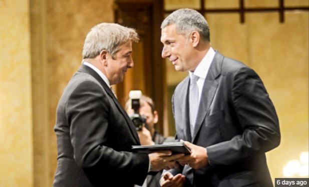 The great moment. János Lázár hands Zsolt Bayer the Order of Merit