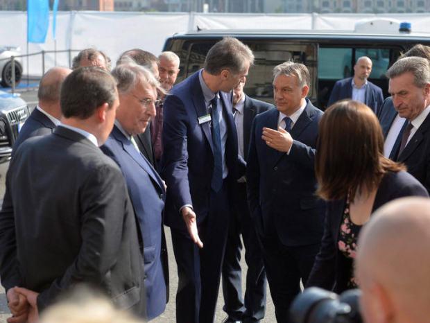 Klaus Mangold, Viktor Orbán, and Günther Oettinger