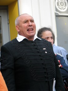 Hungarist leader György Ekrem-Kemál speaks at anti-government demonstration (9/17/2007).