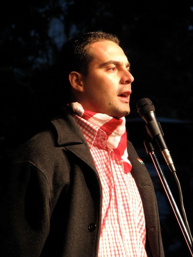 Jobbik President Gábor Vona speaks at anti-government rally before march on Budapest Opera House (10/22/2007).