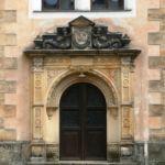 Türportal im Schloss Strehla