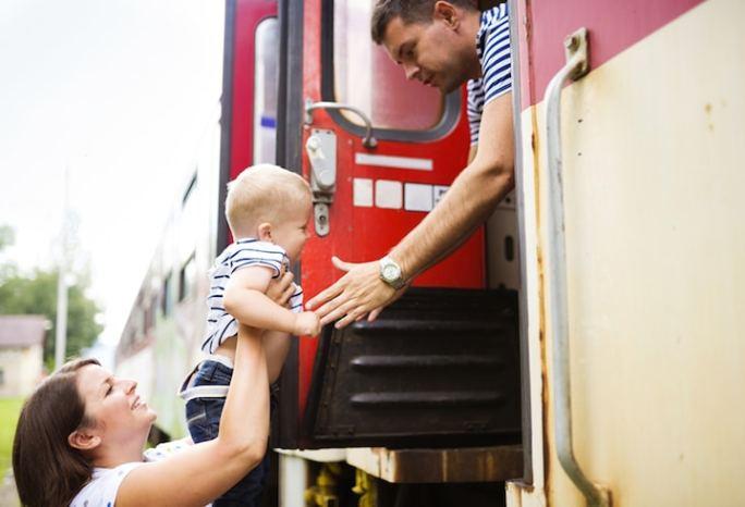 Kinder im Zug   © panthermedia.net /Jozef Polc