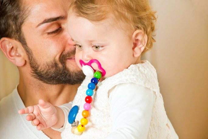 Elternzeit Vater | © panthermedia.net /Jürgen Fälchle