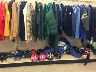 Độ ẩm ở Mỹ rất thấp, thường nằm ở mức 30-60% nên người dân luôn mặc quần áo khá dày và ấm để tránh bị khô da. Độ ẩm của Việt Nam thường dao động trên 80%