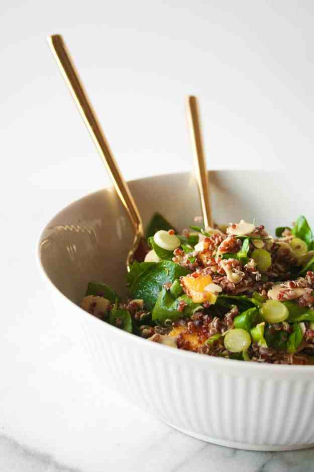A cool summer salad - fresh mangoes, spinach, quinoa, almonds, and cranberries. | hungrybynature.com