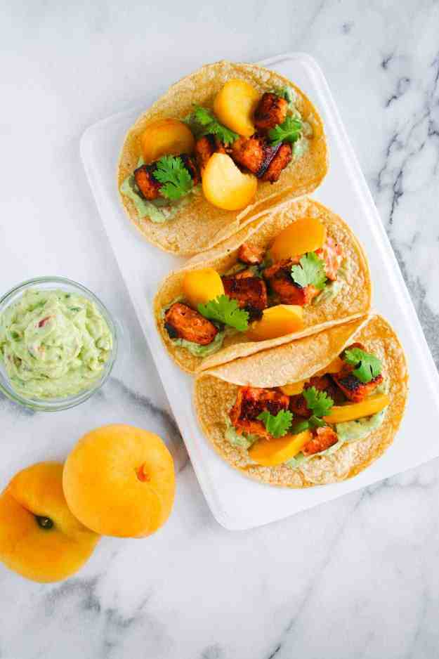 Cajun Salmon Tacos with Guac and Donut Peaches | hungrybynature.com