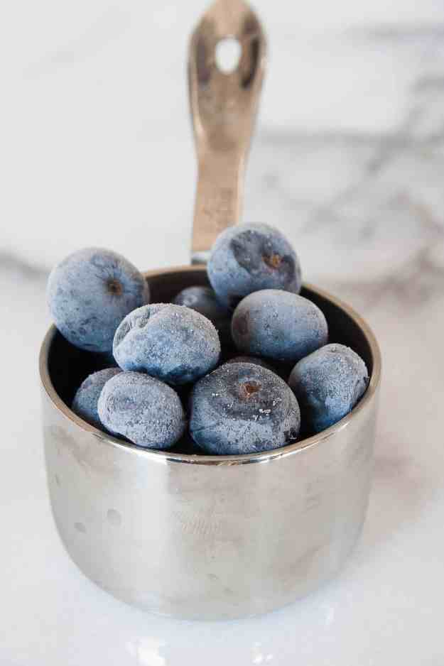 Blueberry Smoothie Chia Pudding | easy, healthy, protein, cauliflower, diary free, banana free, almond milk | hungrybynature.com