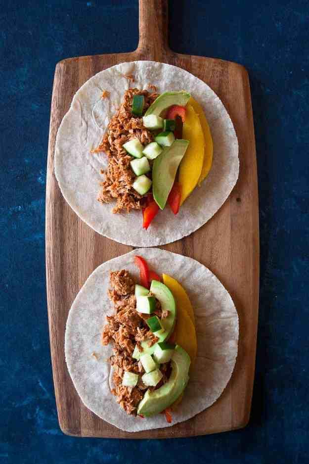 5-Minute Habanero Minto Tuna Tacos | #safecatchtuna #tacos #paleo #quick #easy #lunch #tuna | hungrybynature.com