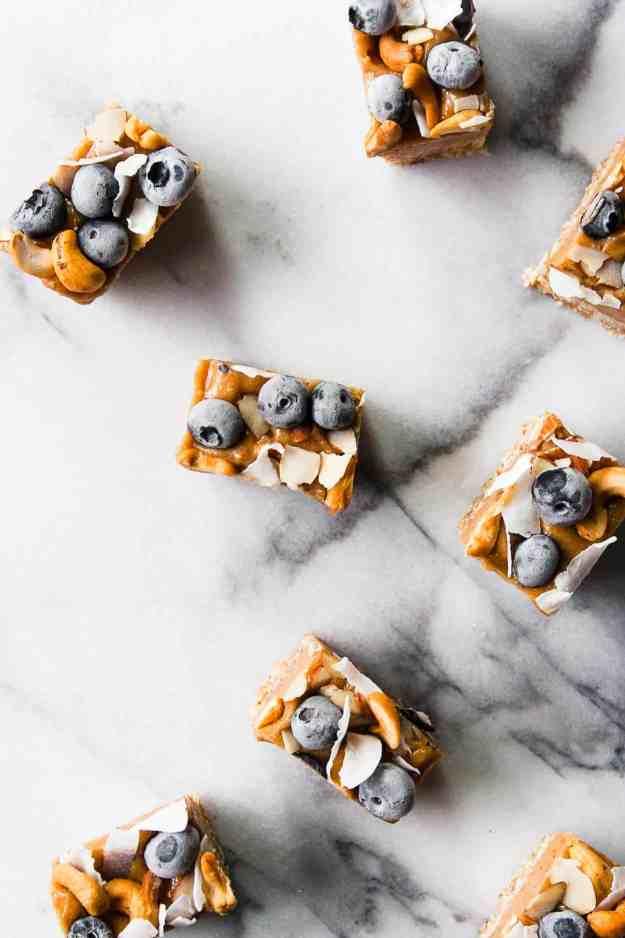 Blueberry and Cashew Butter Birthday Bars | #nobake #dessert #birthday #happybirthday #raw #vegan #paleo #glutenfree #blueberry | www.hungrybynature.com