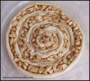 Enjoy this apple tart for dessert or for breakfast!