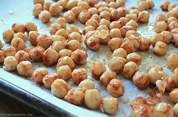 Mexican Roasted Chickpeas   |   hungryfoodlove.com