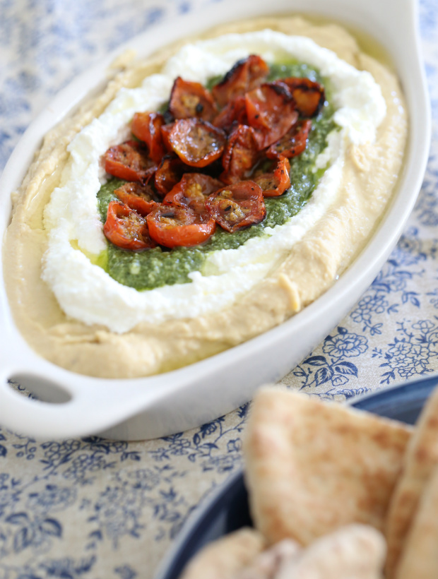 Roasted Tomatoes, Ricotta, and Pesto Hummus | @hungryfoodlove