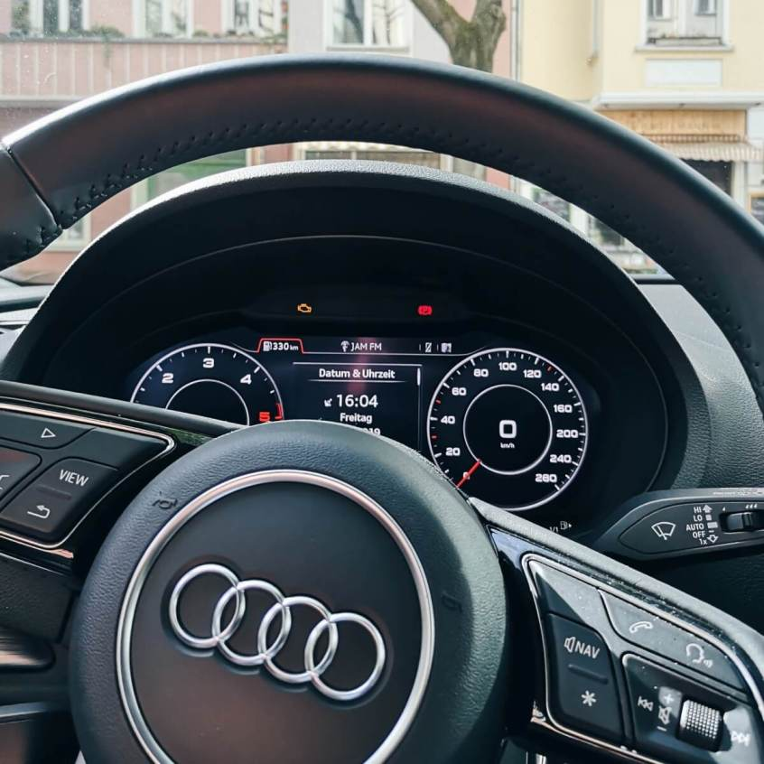 Lenkrad Audi Tacho