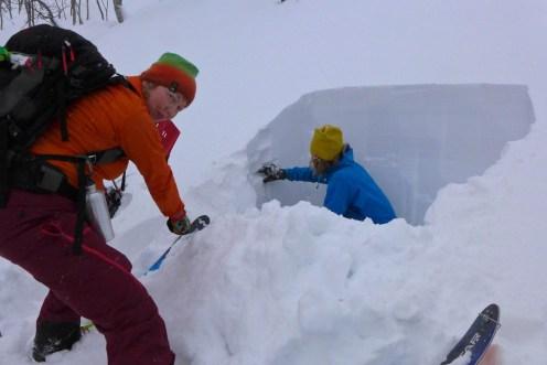 Maria and Martin digging pits