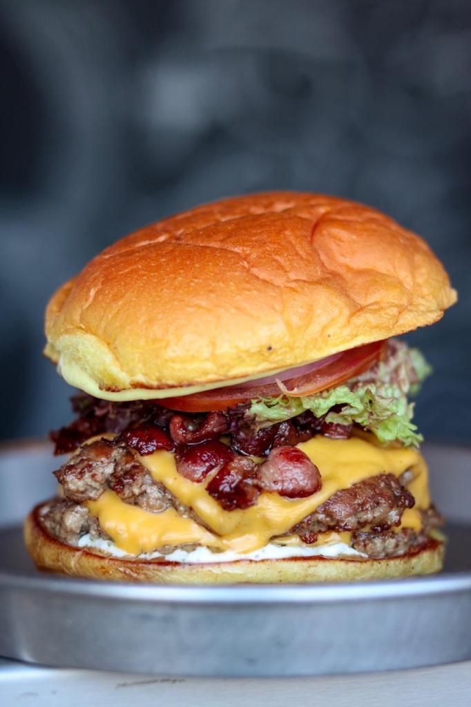 beef-burger-in-dubai
