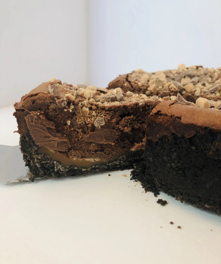 Chocolate Caramel Crunch Cheesecake