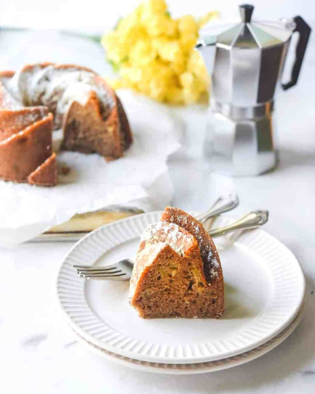 Easy Apple Cider Spice Cake-hungrytravelingmama.com