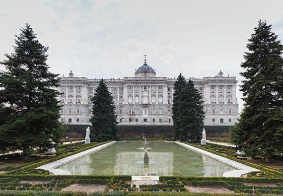 Palacio_Real,_Madrid,_España,_2014-12-27,_DD_09