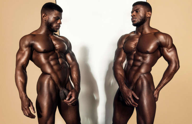nude male model Daniel Shoneye
