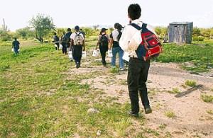 Inmigrantes ilegales intentan Cruzar la Frontera