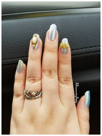 ::Nail Inspiration:: Holographic Blue Jewels