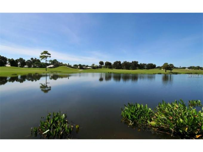 Venice Golf and Country Club   huntbrothersrealty com Venice Golf and Country Club is a gated  member owned golf and country club  community that sits on 460 acres of tropical paradise in Venice  Florida
