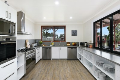 Semi-Commercial Kitchen - Lodge