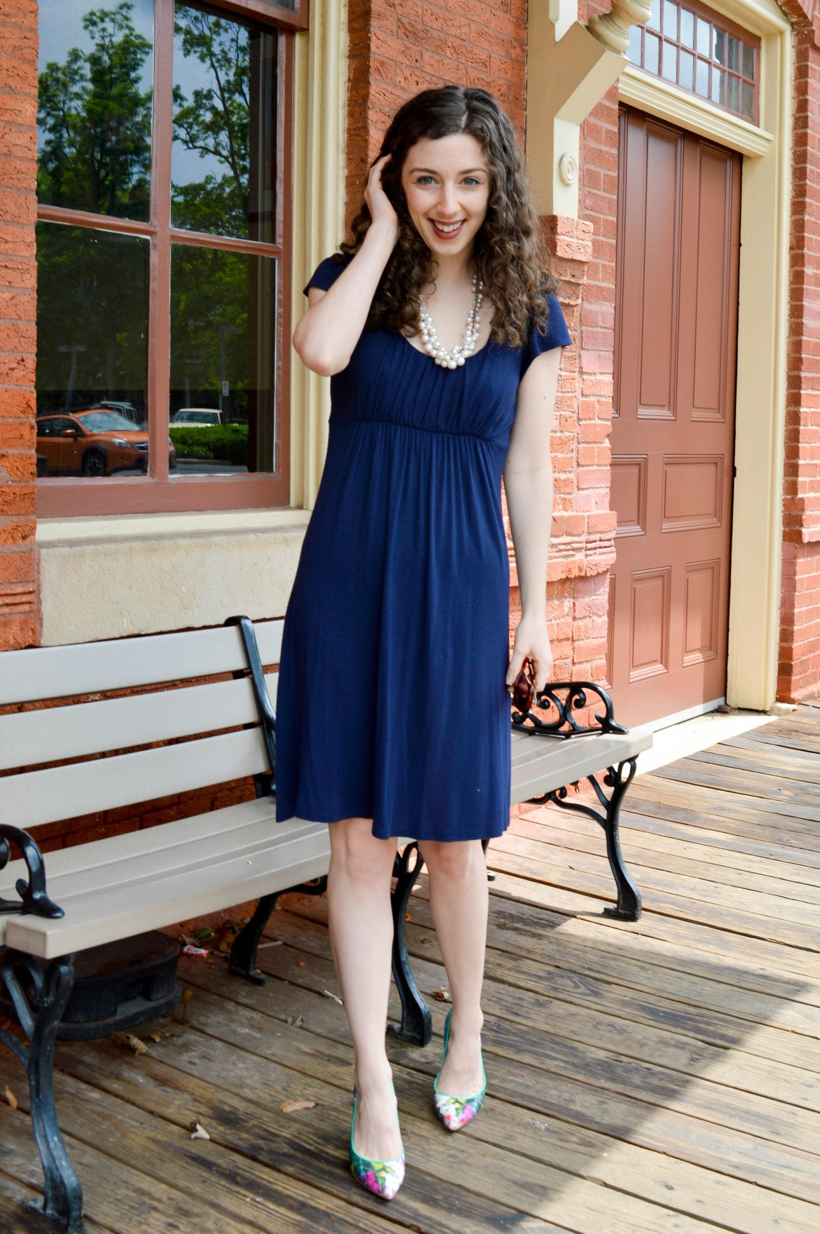 Navy dress and fun heels - a cute (and comfy) wear to work option!
